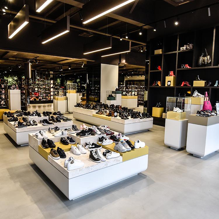 Winkel- en showroominrichting